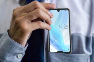 Sharp Aquos R2 Compact With Two Notch