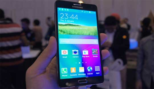 Galaxy-A7-Review--Thinnest-metallic-body-with-5