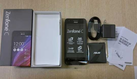 Unvoxing-Asus-Zenfone-C-with-2,100mAh-charger-and-instruction-book