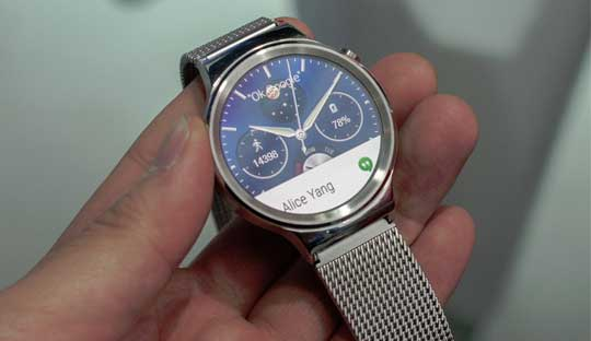 Huawei-Watch-with-stainless-steel-body-and-run-Android-Wear-Launched-at-MWC-2015