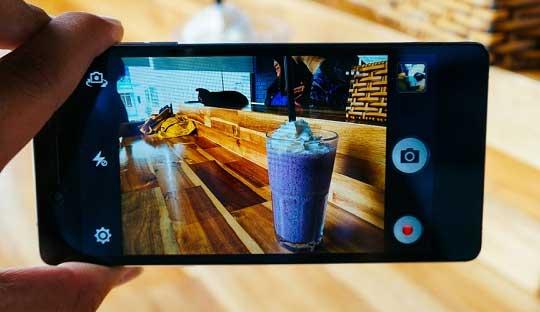 Top-10-13MP-camera-smartphones