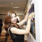 LG-introduces-1mm-ultra-thin-OLED-panels,-sticks-on-the-wall-with-magnets
