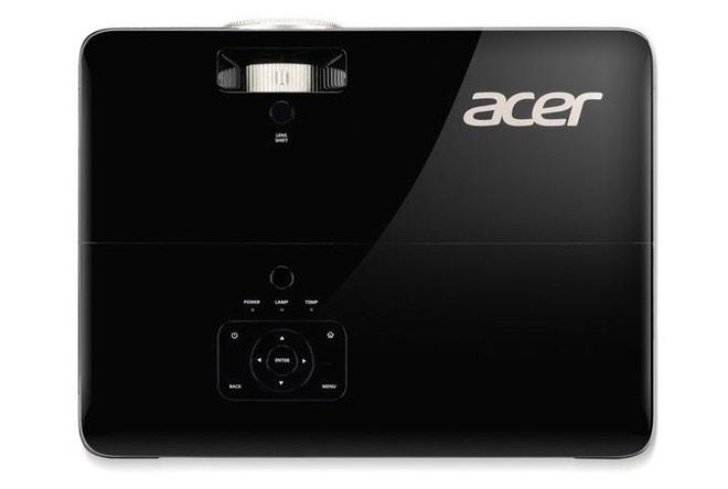 Acer V6820M and V6820i