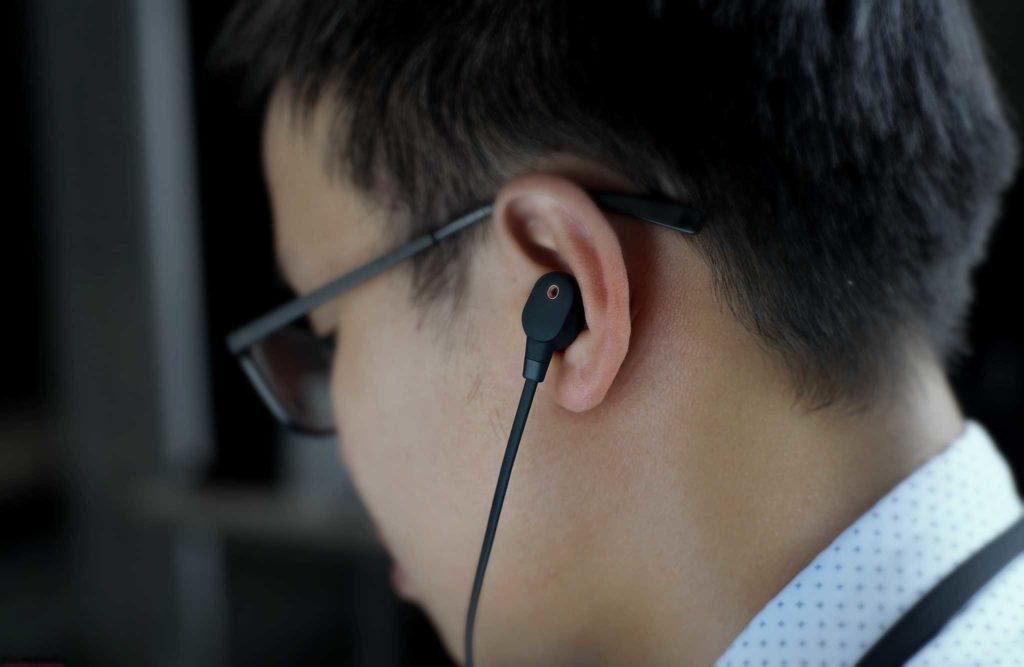 noise cancelling headphones review