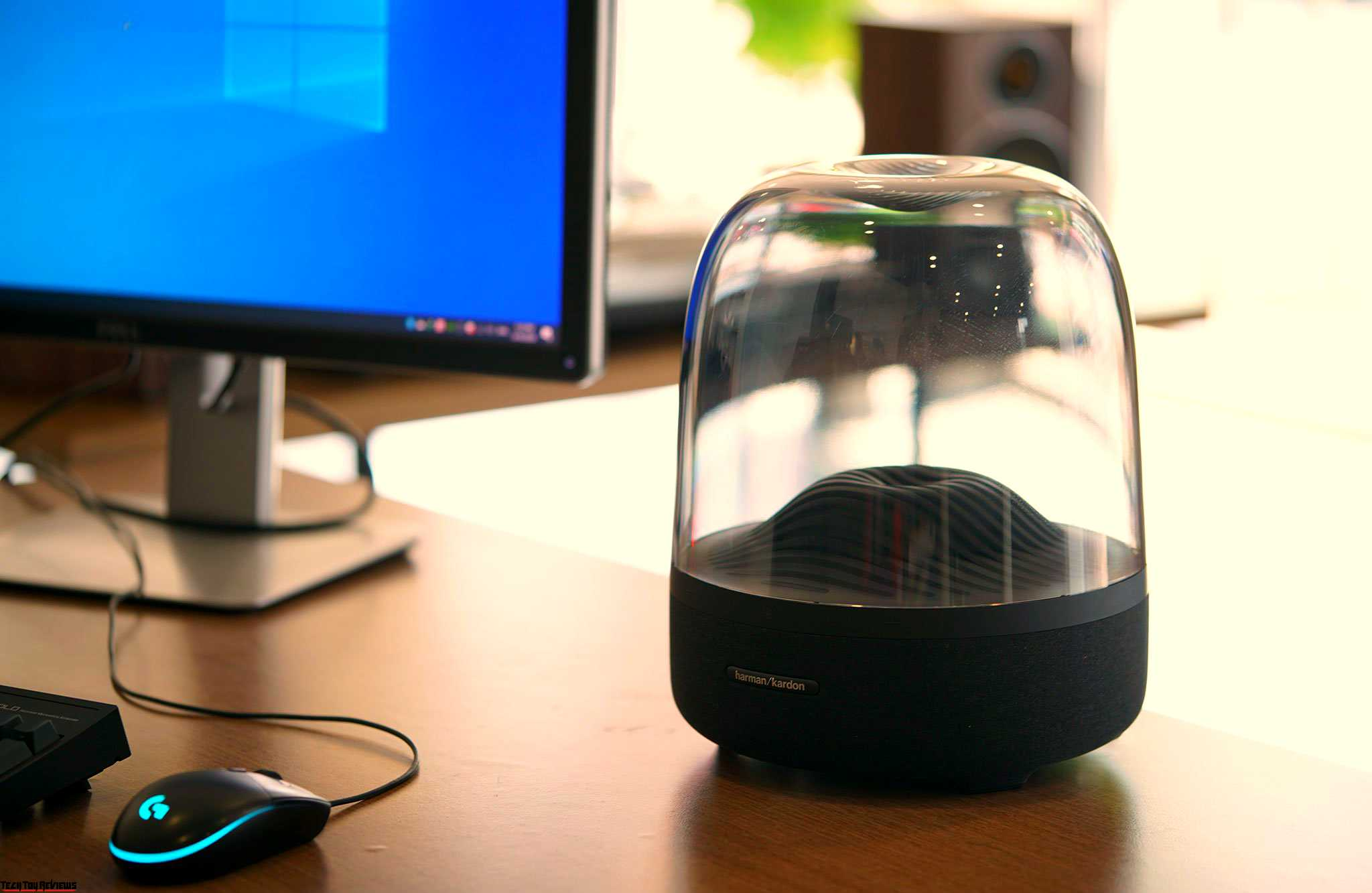 Harman Kardon Aura Studio 3 Review: Premium Wireless Speaker