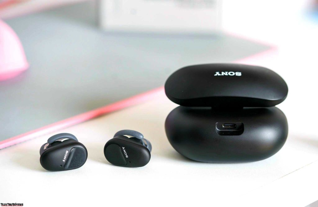 active noise cancelling earbuds